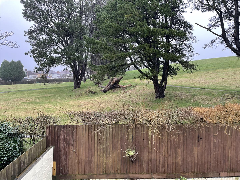 Beverley Gardens, Swansea, SA5 5DR